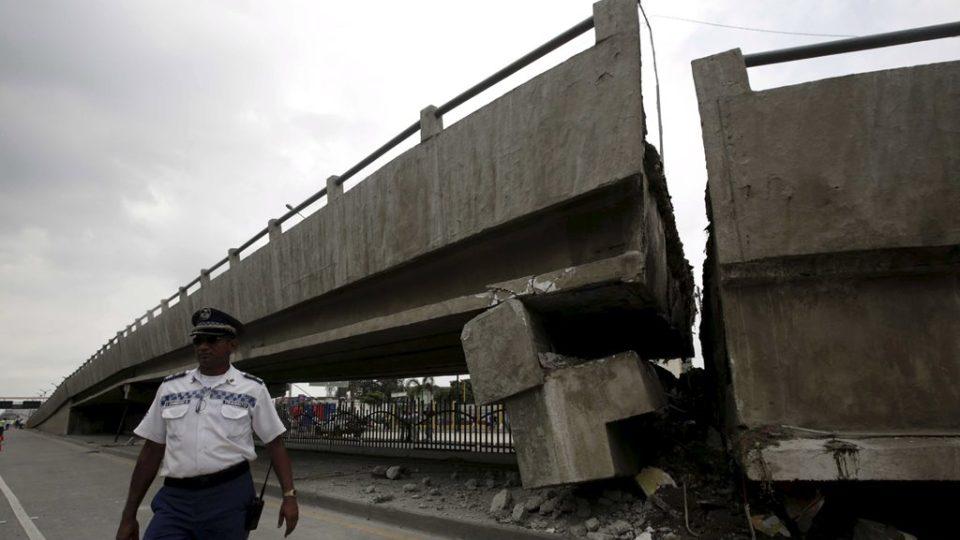 Zničený most v Guayaquil