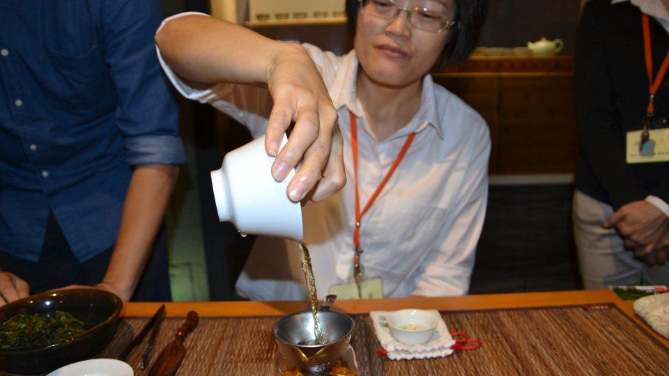 Jarní oolong, jak už název napovídá, se sklízí na jaře a řadí se k zeleným čajům