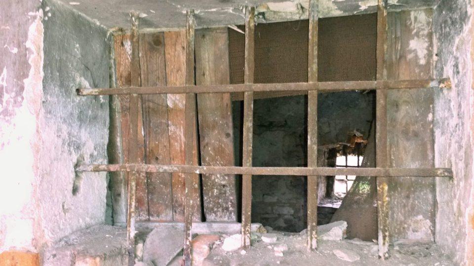 Tato část památkového domu bude po opravě sloužit jako sklad