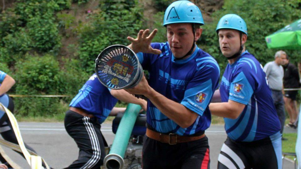 Hasiči bojují o Bystřecký pohár 2015