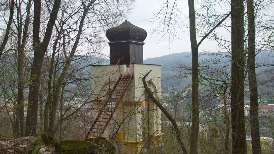 V Benešově nad Ploučnicí opravili stodesetiletou stařenku