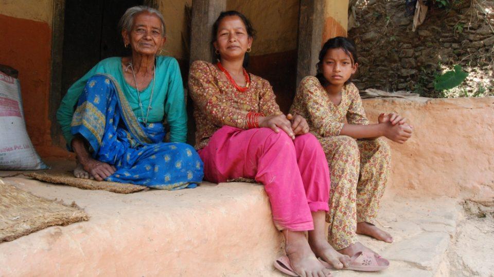 Ani rok po katastrofálním zemětřesení se Nepál z neštěstí nevzpamatoval
