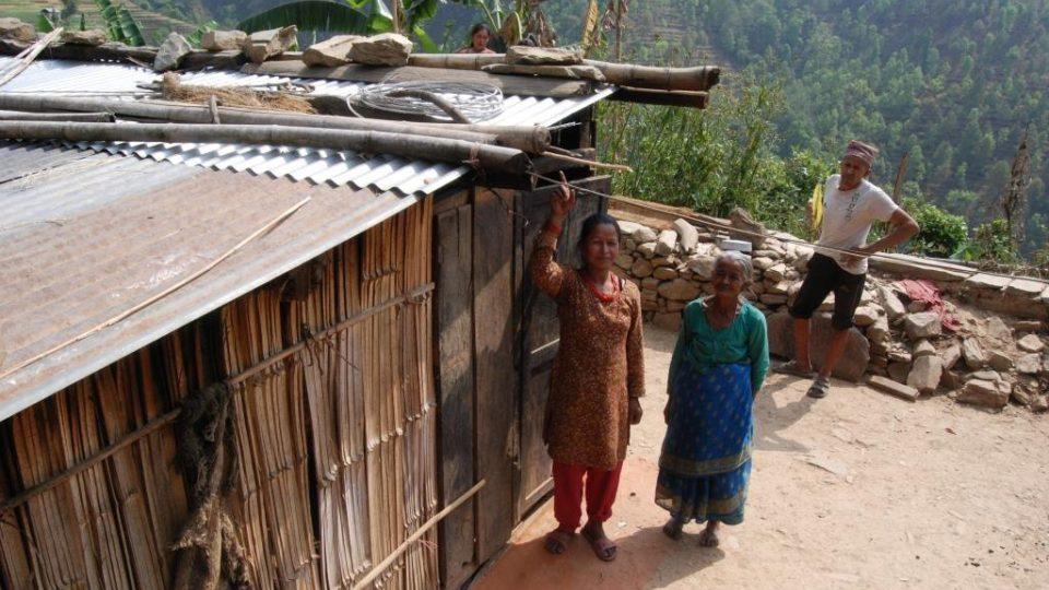 Simthali, Saraswati s matkou a plechy ze sbírky