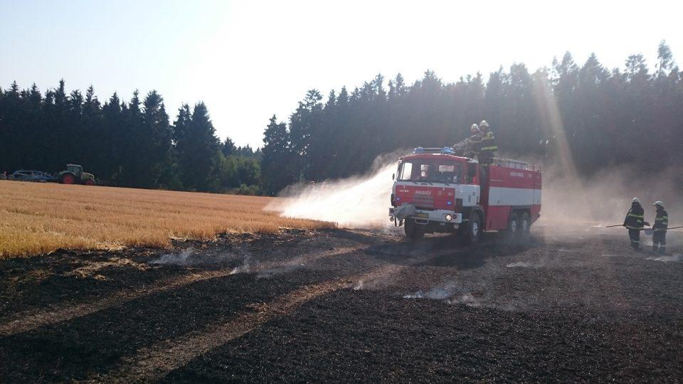 13. srpna 2015 hasiči likvidovali požár strniště v Jedlové