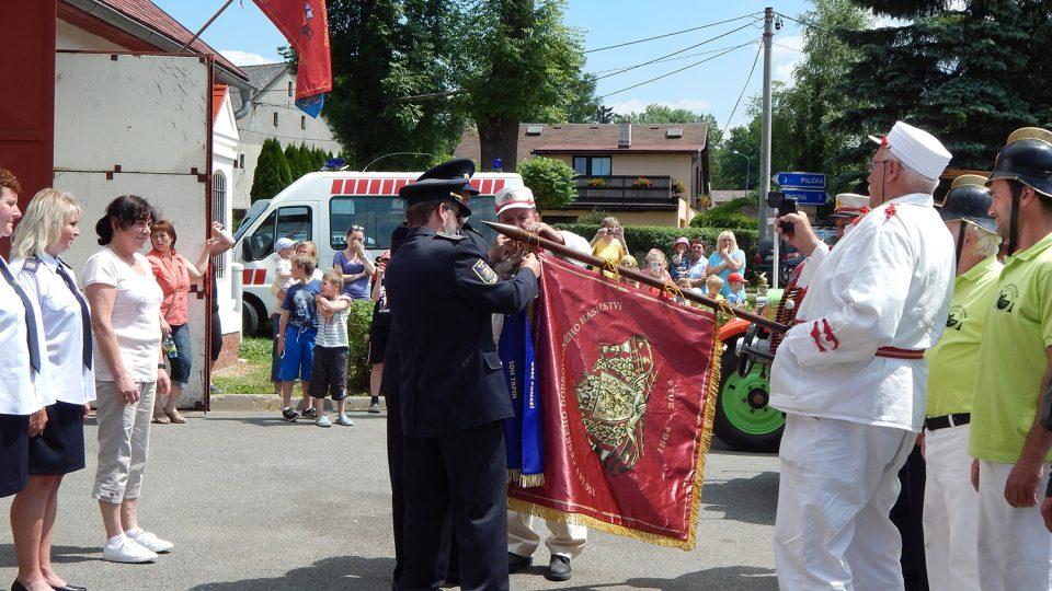 Jízda historických hasičských vozidel v Pomezí  1.7.2015