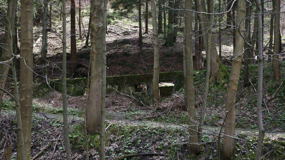 Bývalá strážnice v Borku později sloužila jako muniční sklad