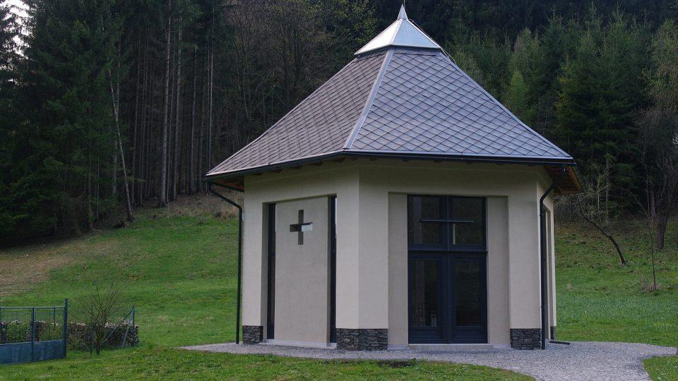 pravoslavný kostelík Proměnění Páně a sv. Nektaria Eginského v Horní Lipové