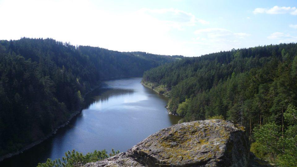 Výhled na Dalešickou přehradu