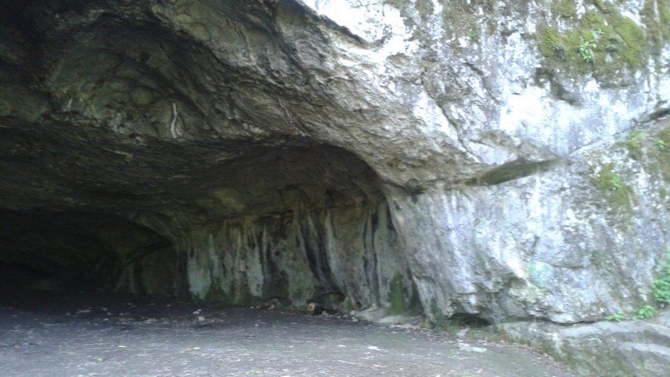 V pravěku sloužila jeskyně jako lidské obydlí