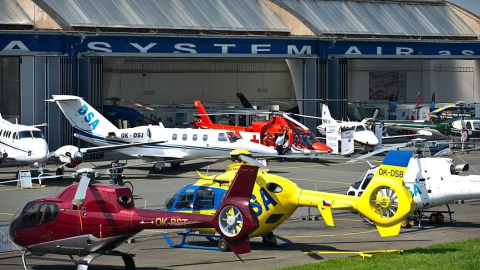Helicopter show - nejrozsáhlejší letecká a motoristická show v České republice se koná na letišti v Hradci Králové