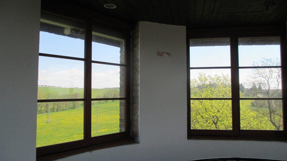 Při rekonstrukci před dvěma lety se věž dočkala oken