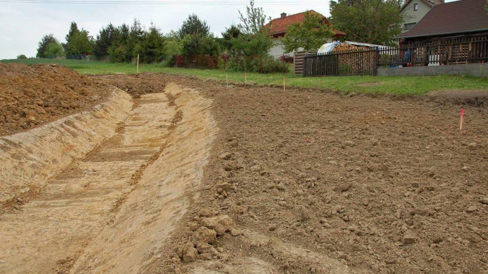 Stavba suchého poldru ve Studénce