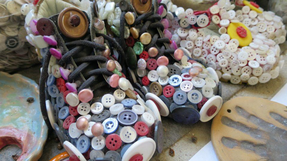 Knoflíky na Novém zámku najdete témeř na všem