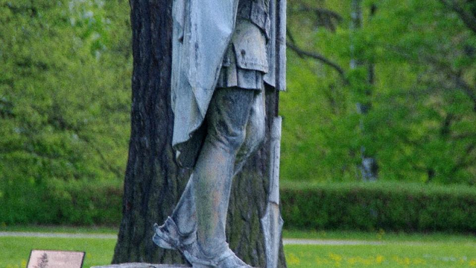Bájný rytíř Rolland je také ozdobou parku