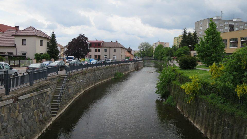 Řeka Chrudimka dostala své jméno podle města Chrudim