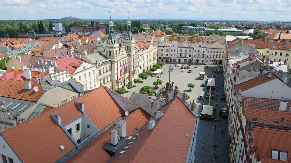 Pohled z ochodu Zelené veže na Pernštýnské náměstí