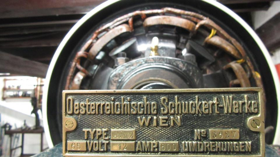 Na generátoru se neuváděl rok výroby