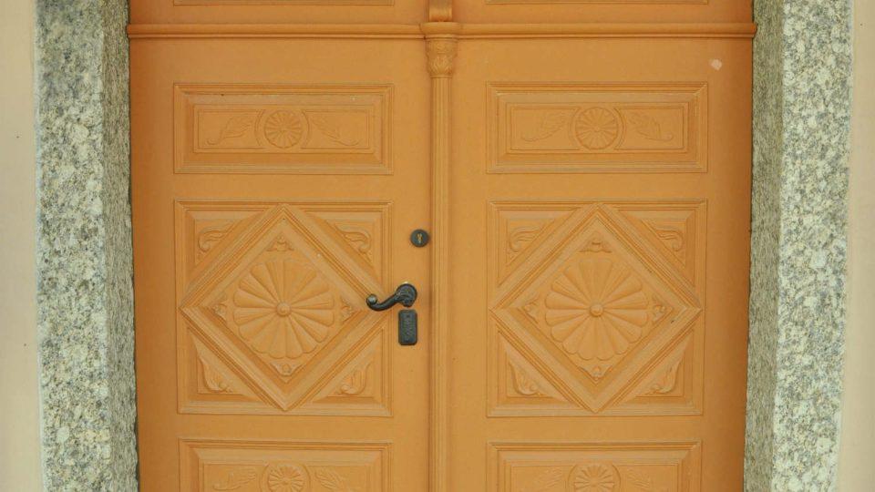 Vchod do domu čp. 91 v Šaffově ulici