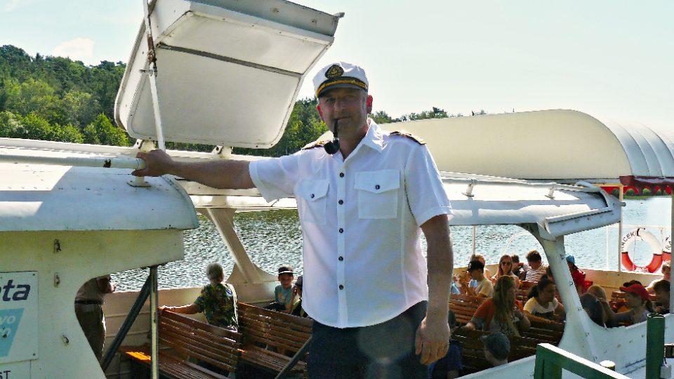 Kapitán výletní lodi na Máchově jezeře
