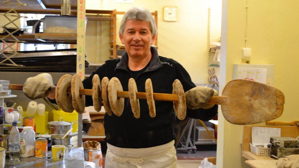 Petr Voldán jako pekařský učeň v Helsinkách