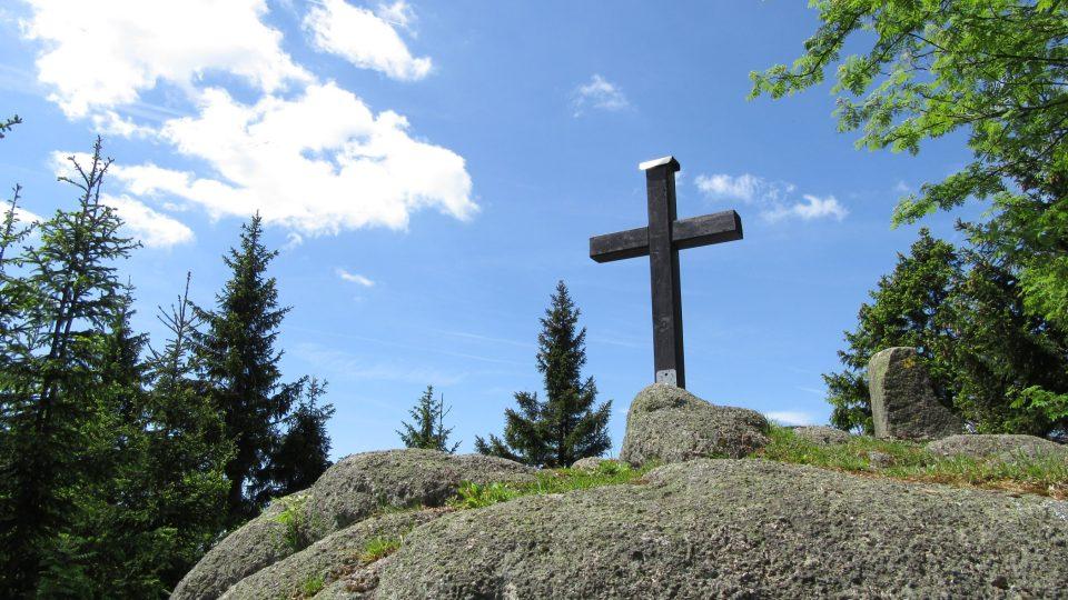 Vrchol Špičáku je ve výšce 991 metrů nad mořem