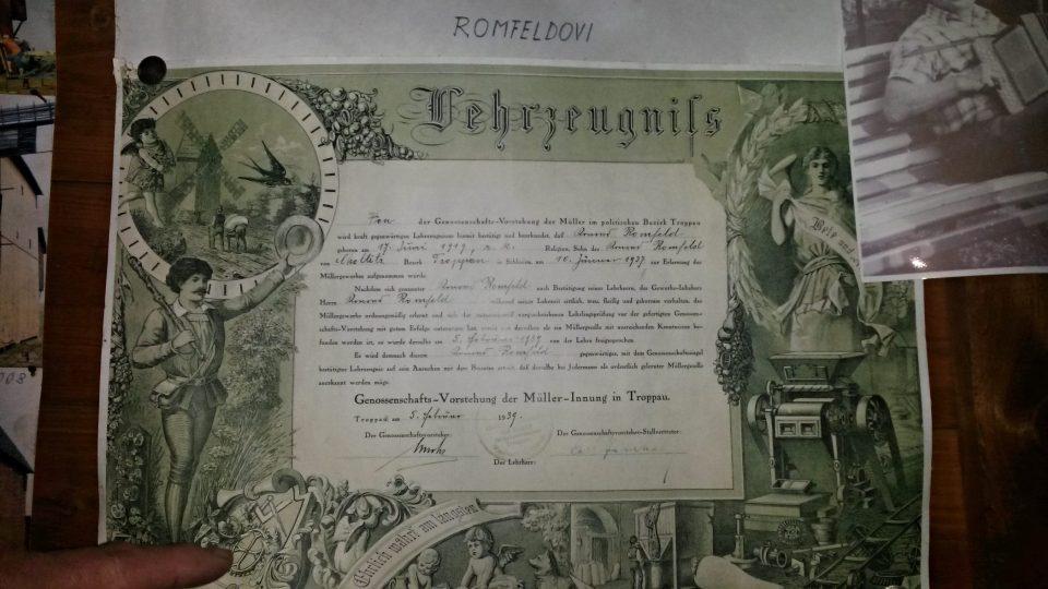 Výuční list posledního choltického mlynáře Konráda Romfelda