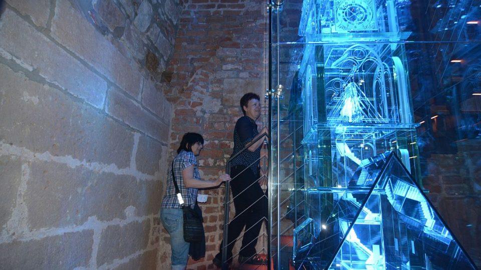 Padesátitisící návštěvnice Bílé věže v Hradci Králové - Jana Zimová a Eva Korbelová ze středočeských Říčan