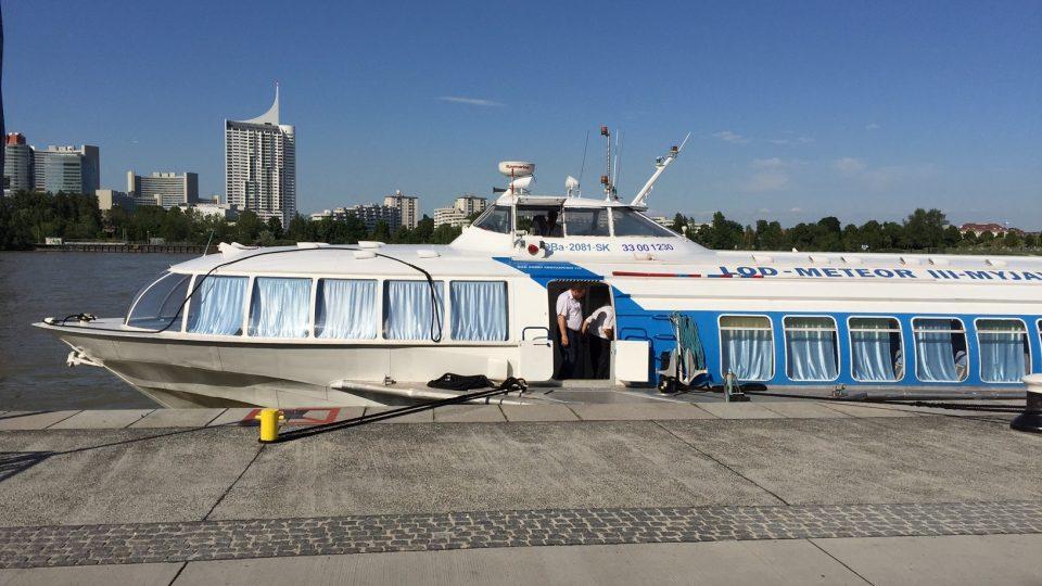 Podle kapitána není jisté, jak dlouho ještě budou rychlolodě brázdit vody Dunaje