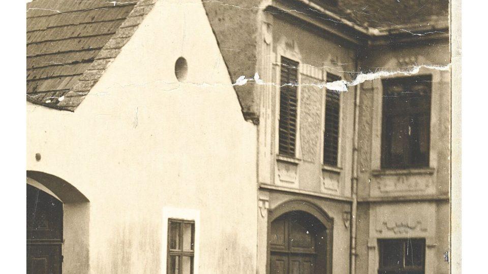 Původní podoba budovy v Lošticích