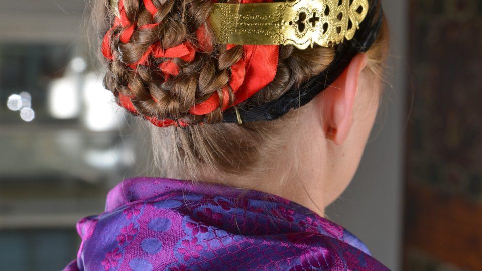 Úprava hlavy nevěsty