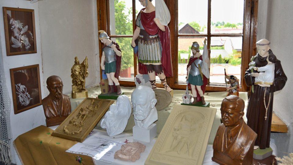 Výstava na zámku ve Velkých Hošticích