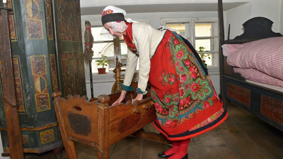 Oblast Chotěšovska si dlouho zachovávala starobylý kroj