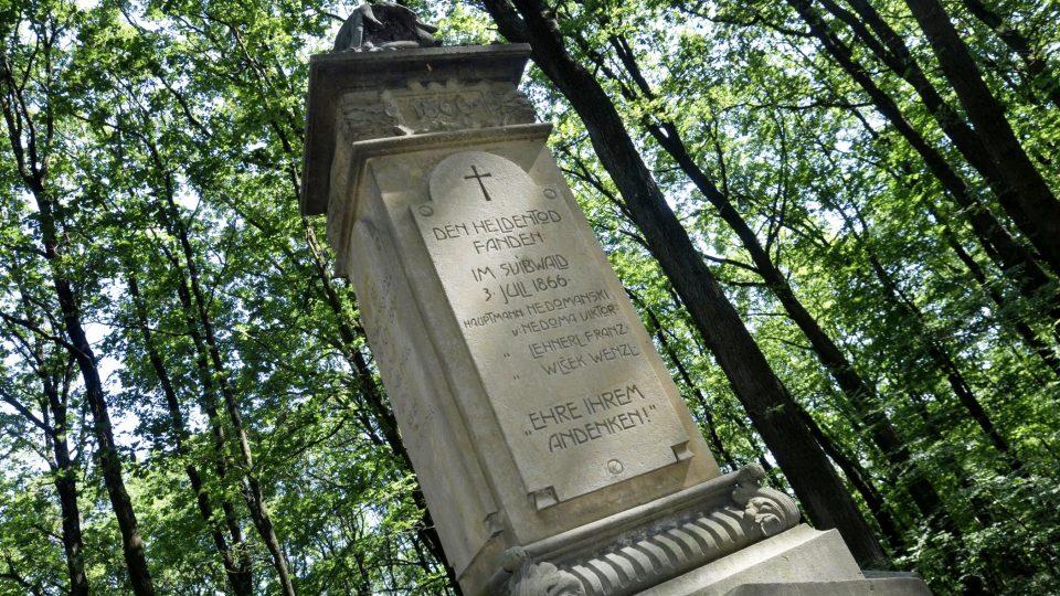 Tisíce vojáků obou znepřátelených stran prusko-rakouské války našly v lese Svíb místo posledního odpočinku