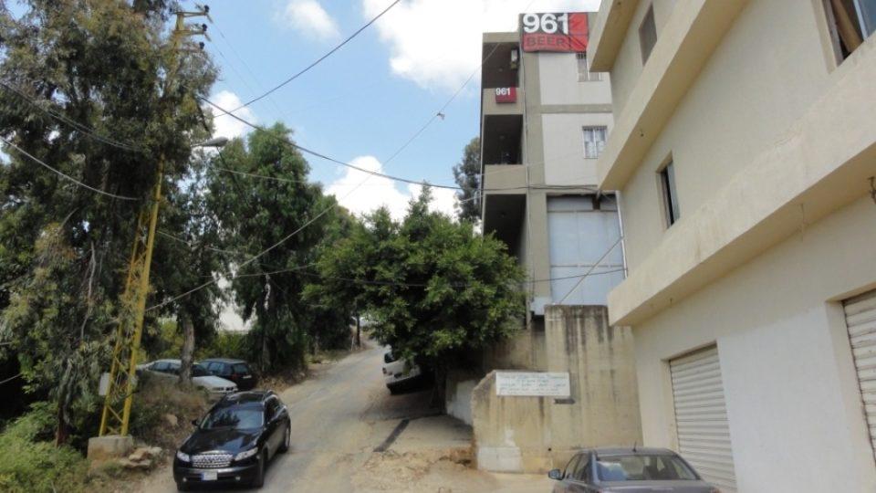 Pivovar 961 vyrábí v pronajaté budově nedaleko Bejrútu