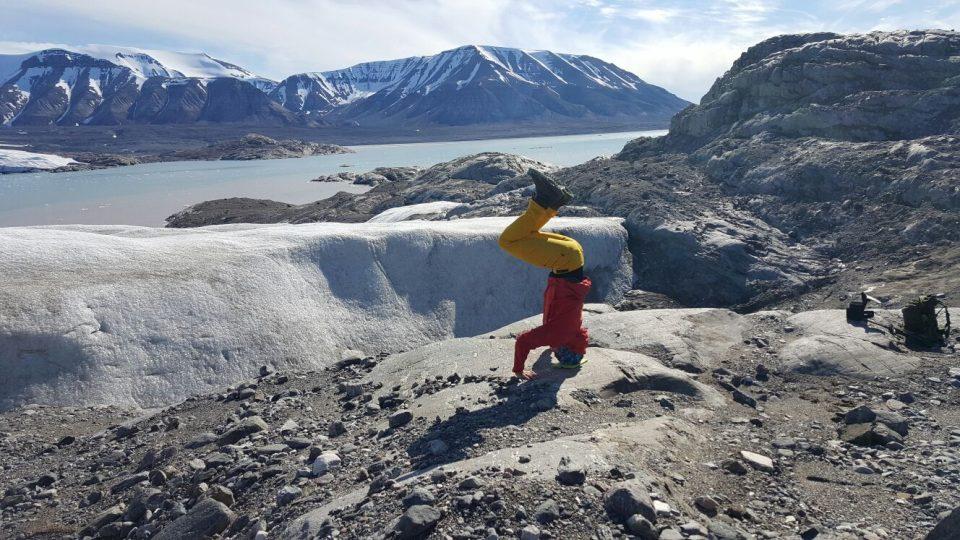 Martin Lulák, šéf letní expedice Centra polární ekologie, u ledovce Nordenskiold v Arktidě