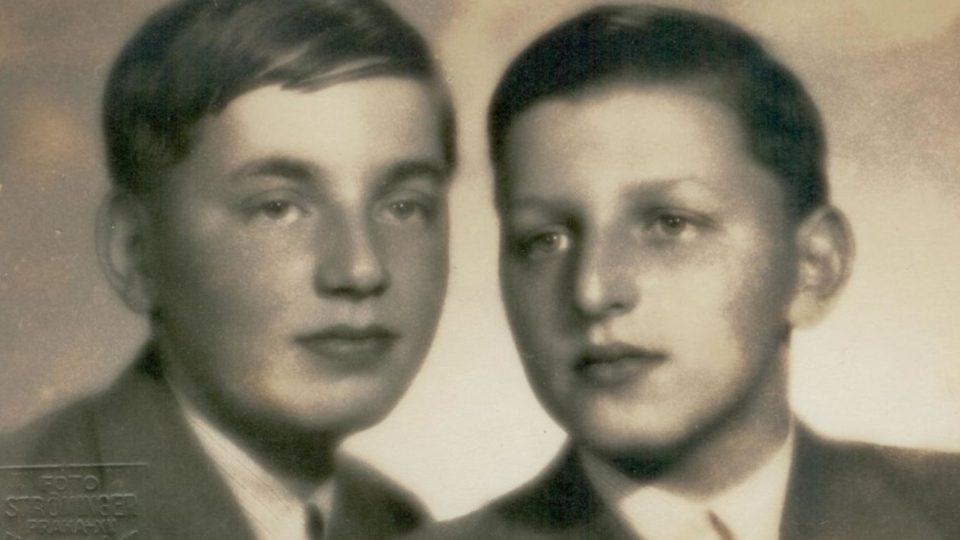 Josef a Miloš Gutovi, léto 1937