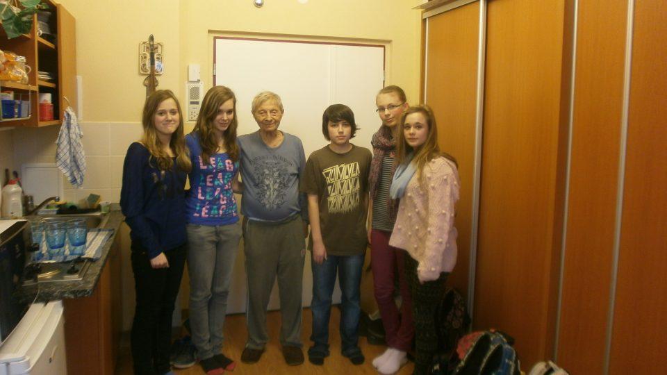 Miloš Kocman se studenty v rámci projektu Příběhy našich sousedů