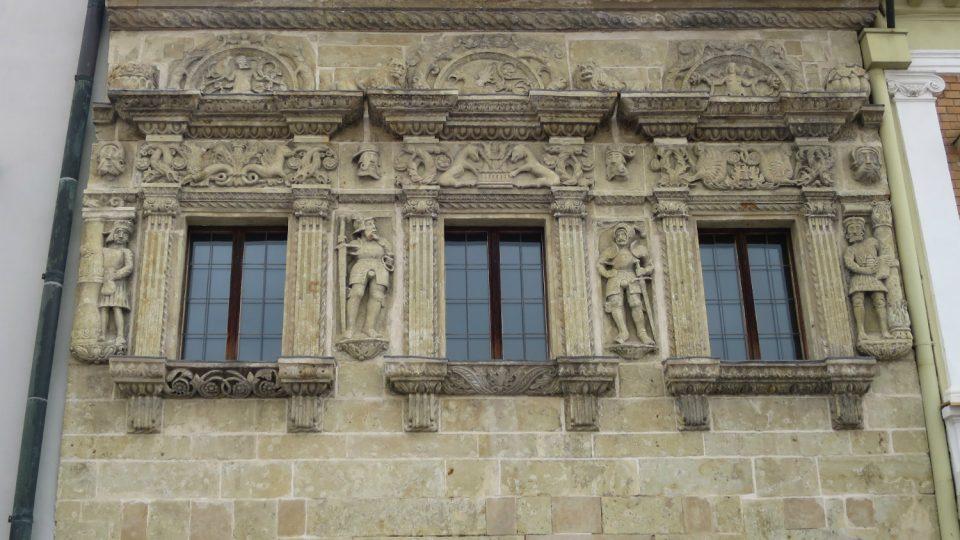 Renesanční dílo kameníka Blažka a Dům u Rytířů patří ke skvostům městské architektury