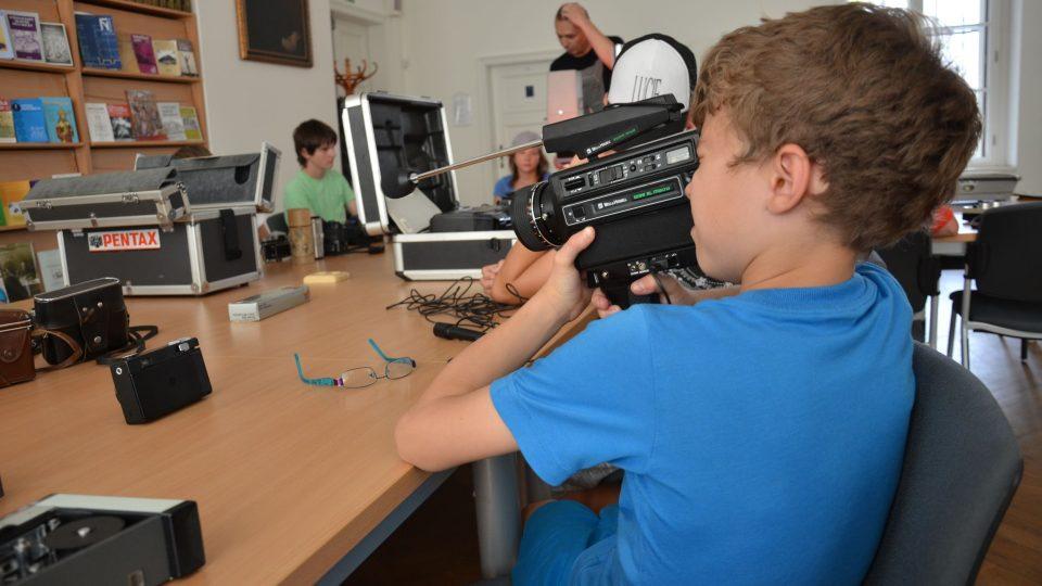 Děti si vyzkoušely starou novinářskou techniku
