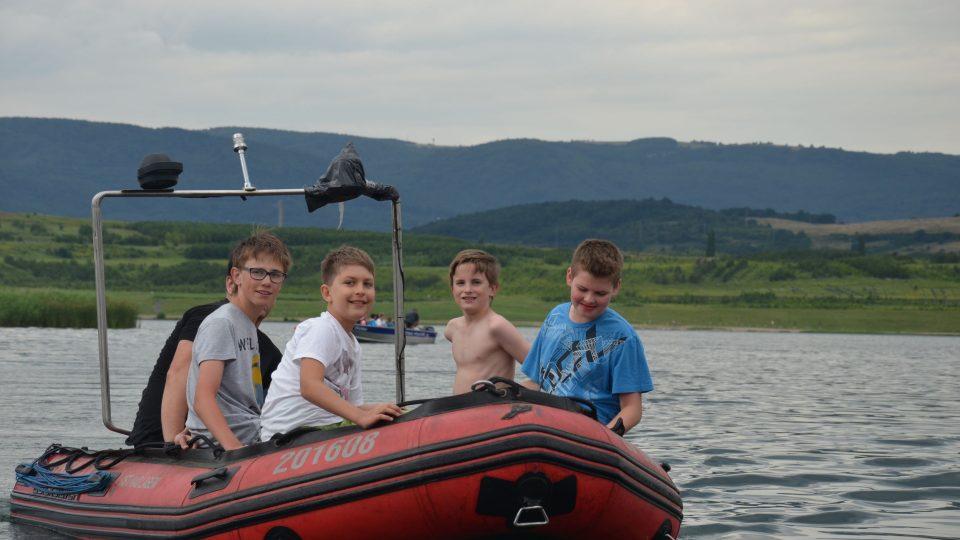 Odpolední program probíhal na jezeře Milada
