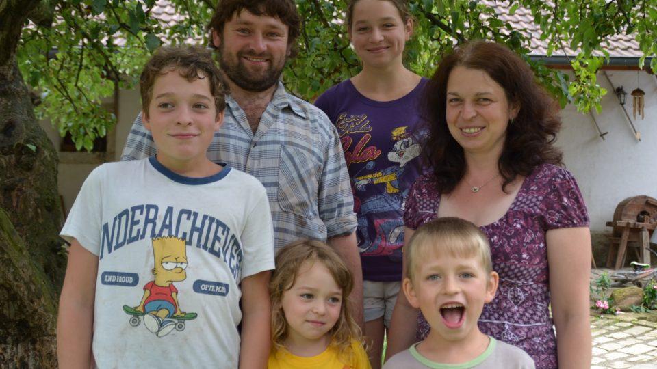 Rodina Řezníčkova, farmáři z Rohozné