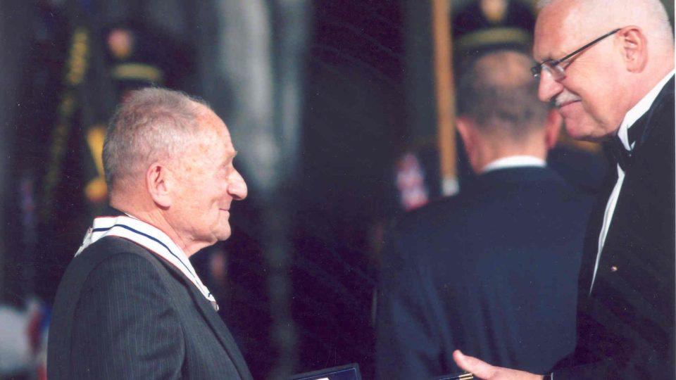 Předávání řádu TG Masaryka 3. třídy, 28.10.2008