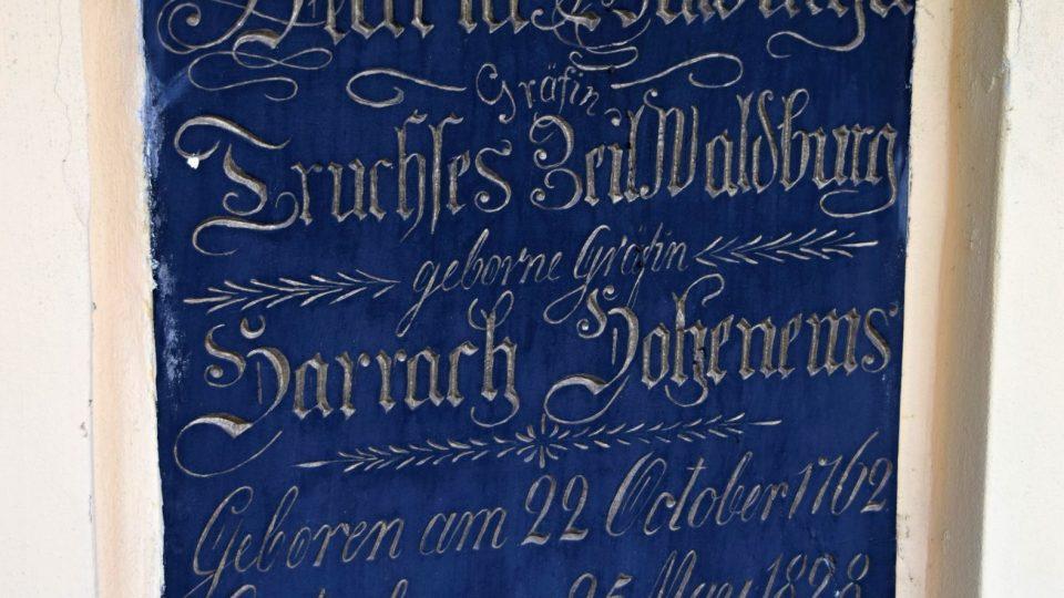 Náhrobní deska hraběnky Walburgy