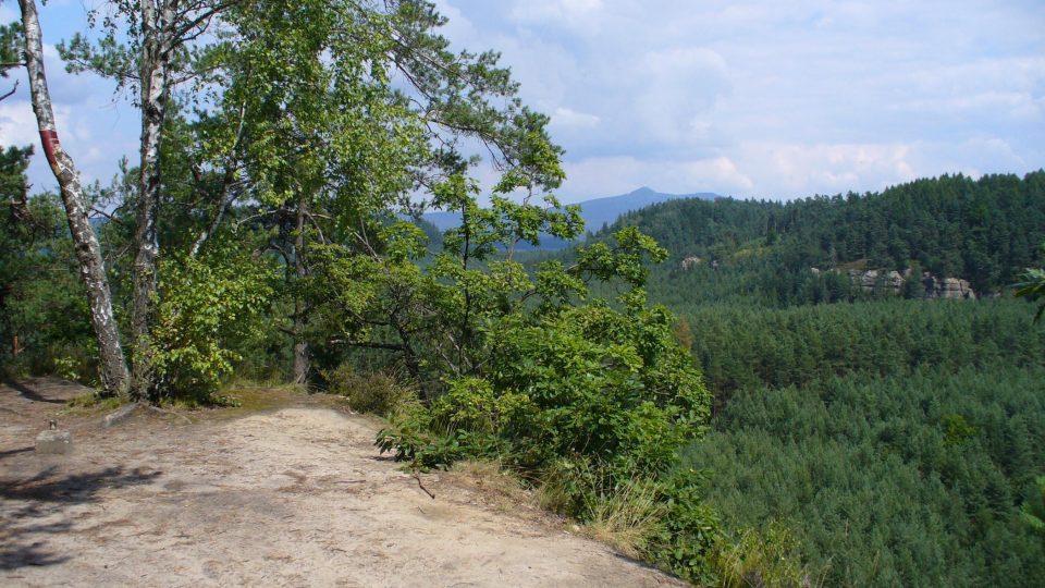 Na samotném vrcholu můžete obdivovat překrásné výhledy do okolí
