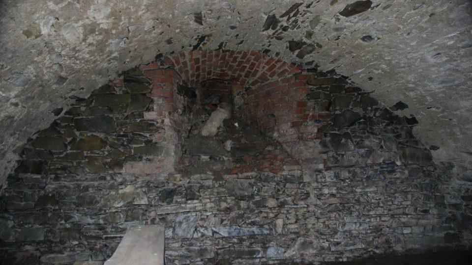 Klenuté sklepy v zámeckém podzemí