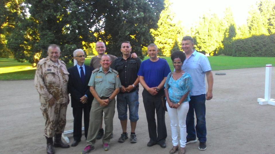 Setkání veteránů s kuvajtskou delegací na zámku Sychrov