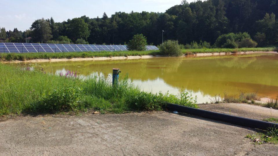 Odkalovací nádrž a solární elektrárna