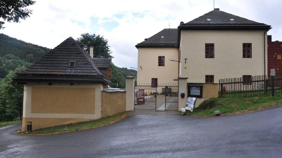 Stará fara je dnes moderním ekologicko vzdělávacím centrem