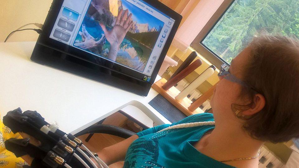 Pod dohledem robotů se uzdravují děti v Janských Lázních