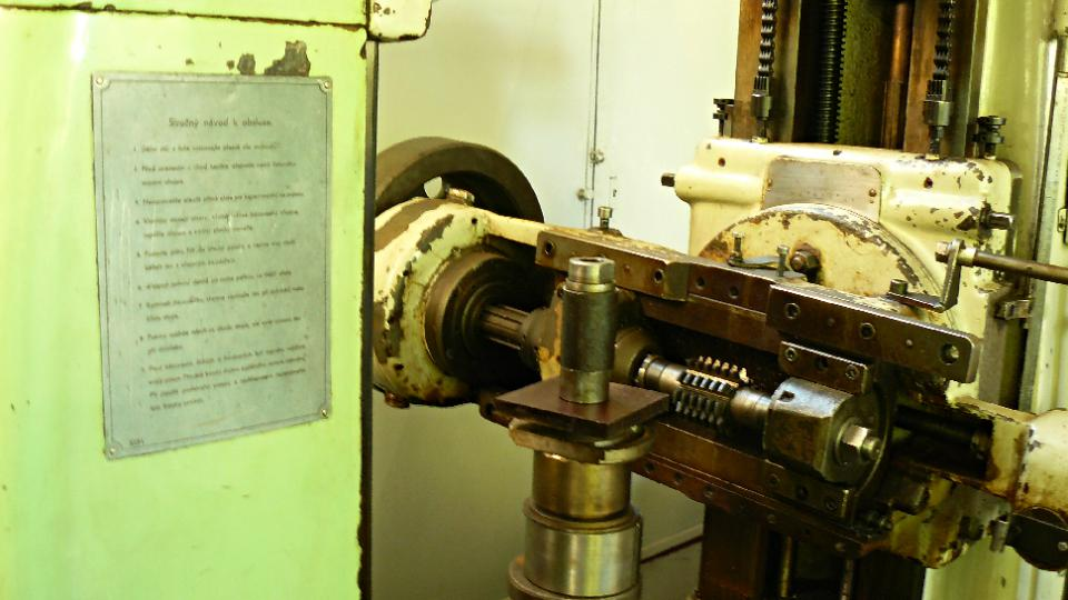 Další z mnoha starých strojů